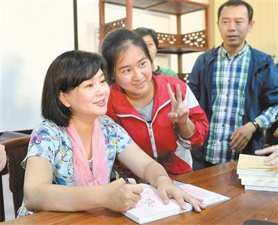 鞠萍姐姐对话浔城学生