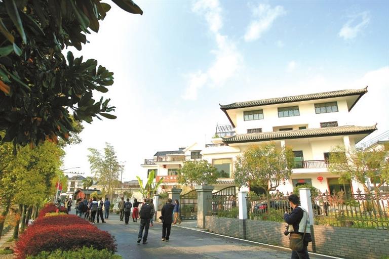 华埠镇金星村是开化新农村建设的一个缩影.